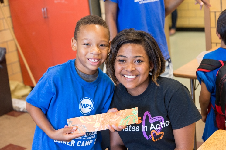 Kohl's interns volunteer at Boys & Girls Clubs of Greater Milwaukee.